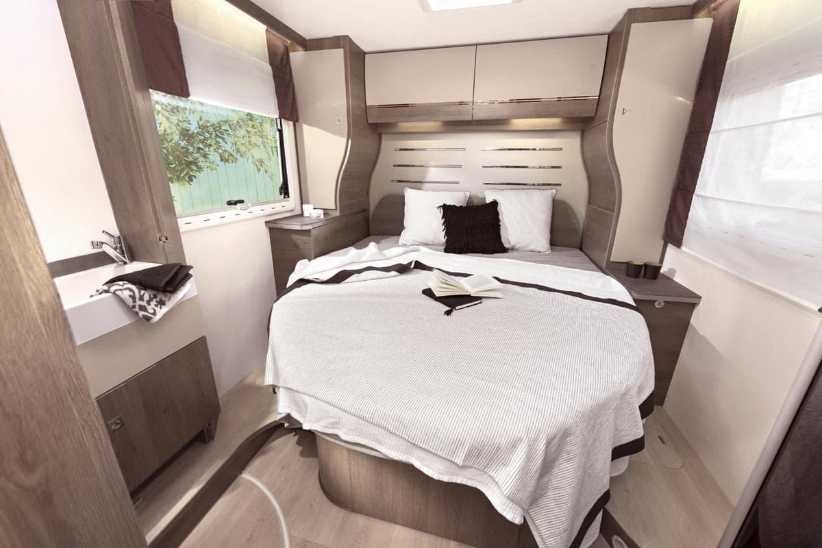 Imagen del dormitorio de una caravana
